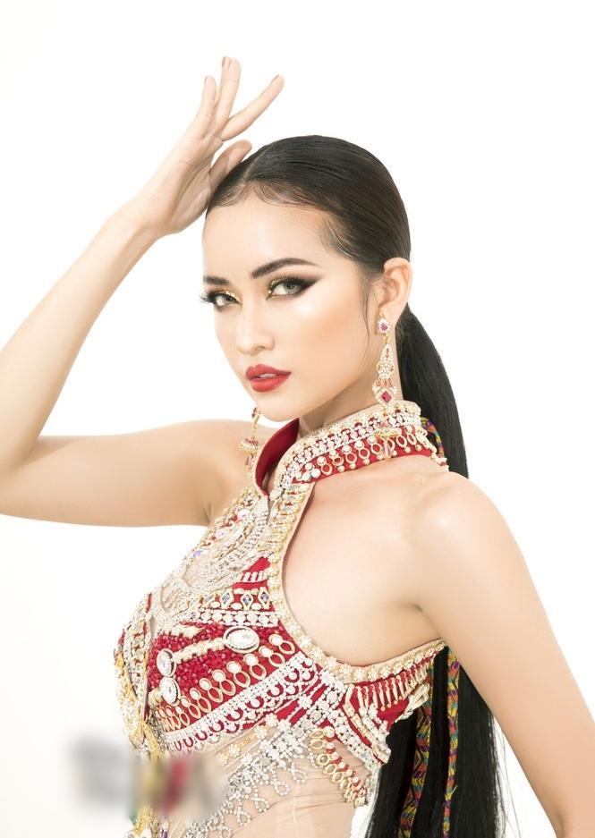 Sau lùm xùm quỵt tiền, đổi nhà thiết kế ngay phút chót, Ngọc Châu khoe bộ trang phục dân tộc chính thức tại Miss Supranational 2019-9