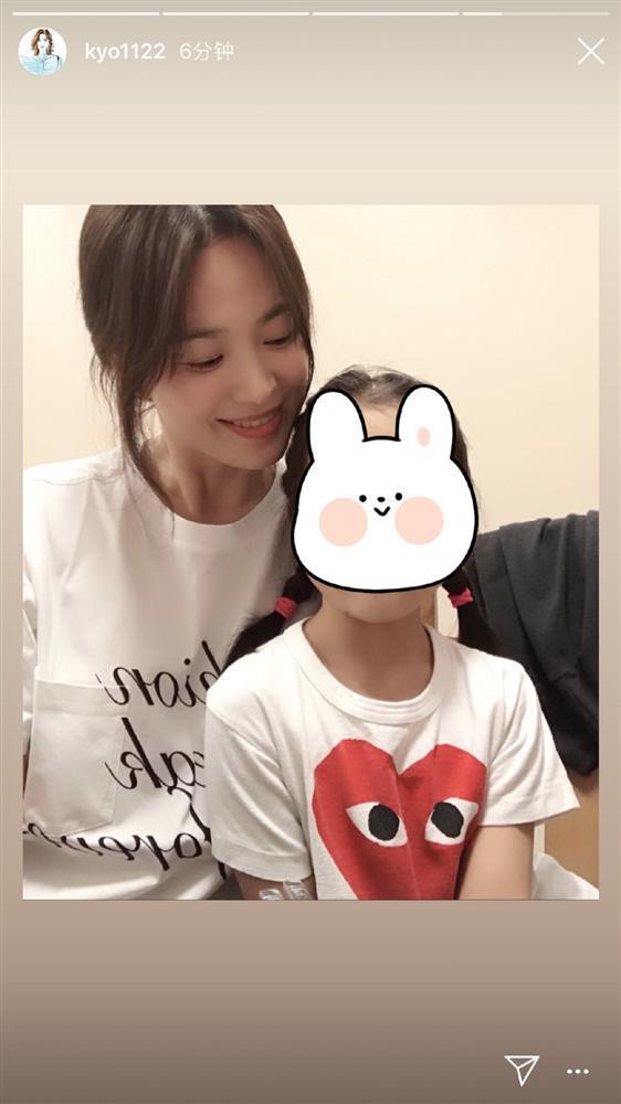 Song Hye Kyo rạng rỡ bên bạn bè trong sinh nhật 38 tuổi-3