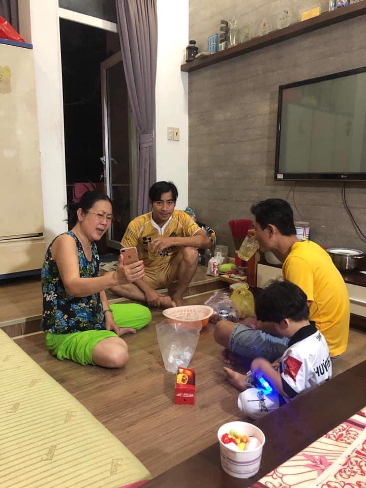 Dù đã ly hôn, Thanh Bình vẫn gọi mẫu thân Ngọc Lan là mẹ và đưa con trai về thăm ngoại-1