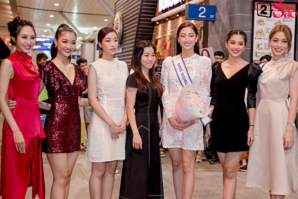 Dàn hoa hậu đổ bộ sân bay lúc nửa đêm tiễn Lương Thùy Linh lên đường thi Miss World 2019-7