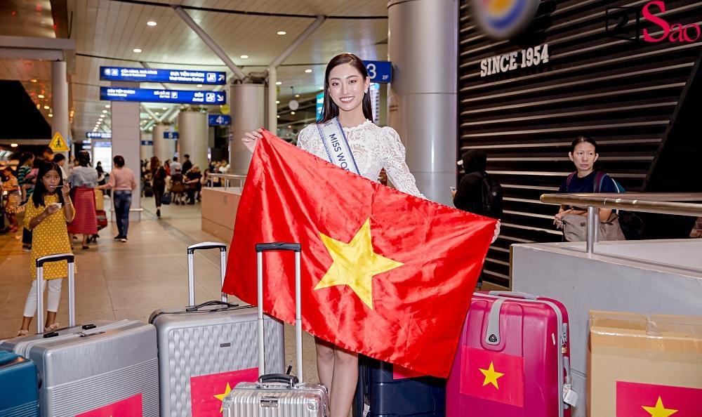 Dàn hoa hậu đổ bộ sân bay lúc nửa đêm tiễn Lương Thùy Linh lên đường thi Miss World 2019-10