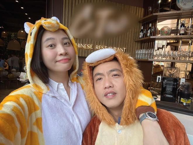 Cường Đô La bỗng hồi teen từ khi lấy Đàm Thu Trang: Hết hóa thú nhồi bông lại lái xe tuk tuk nhí nhố-3