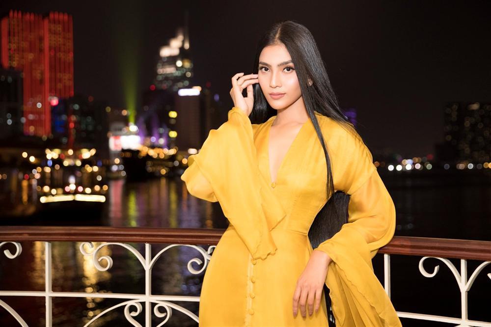 Bản tin Hoa hậu Hoàn vũ 25/11: Trương Thị May tung váy xuất thần, chặt từ HHen Niê đến mỹ nữ quốc tế-1