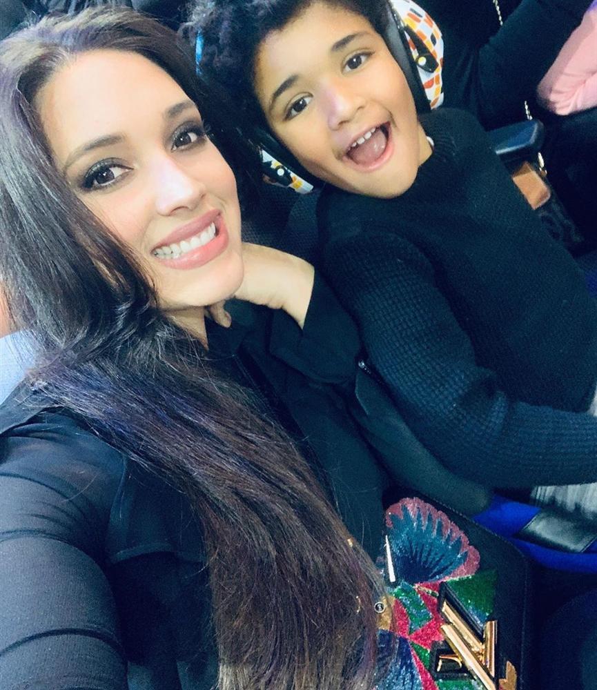 Bản tin Hoa hậu Hoàn vũ 25/11: Trương Thị May tung váy xuất thần, chặt từ HHen Niê đến mỹ nữ quốc tế-6