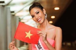 Bản tin Hoa hậu Hoàn vũ 26/11: Hoàng Thùy bị phạt 2000 USD trước giờ bay sang Mỹ thi đấu