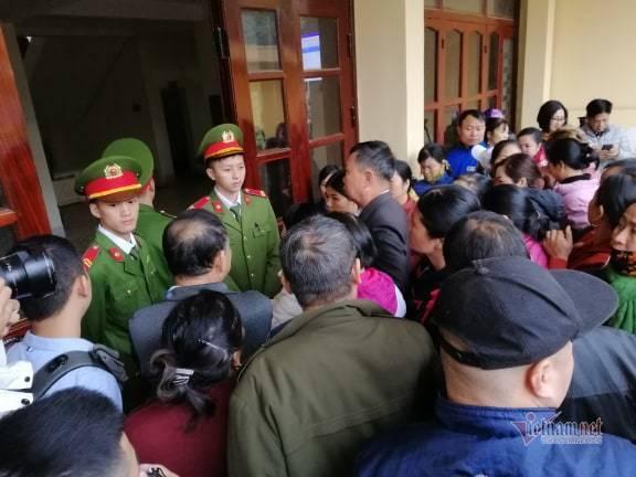 Nóng: Lần đầu tiên bố và chị gái nữ sinh giao gà bị sát hại ở Điện Biên xuất hiện-12