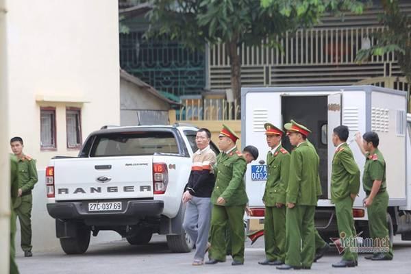 Nóng: Lần đầu tiên bố và chị gái nữ sinh giao gà bị sát hại ở Điện Biên xuất hiện-4