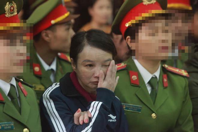 Mẹ nữ sinh giao gà khóc lóc liên tục kêu oan, khẳng định không quen biết Bùi Văn Công-1