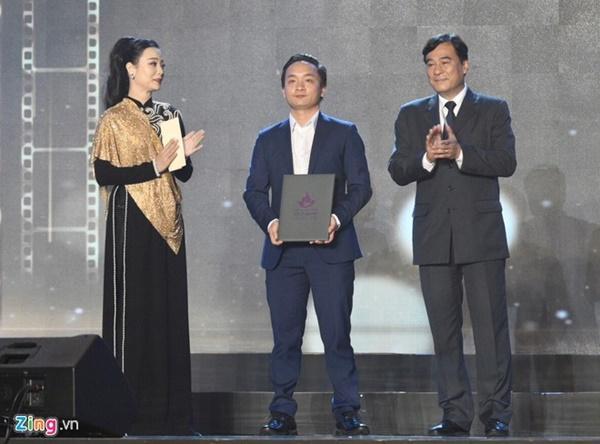 Vì sao Trấn Thành, Hoàng Yến Chibi vắng mặt dù đoạt giải ở LHP?-1