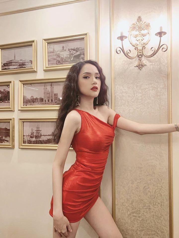Hương Giang idol khoe hình ảnh làm nũng trên giường trái ngược hoàn toàn với phong cách sexy, sang chảnh thường thấy-6