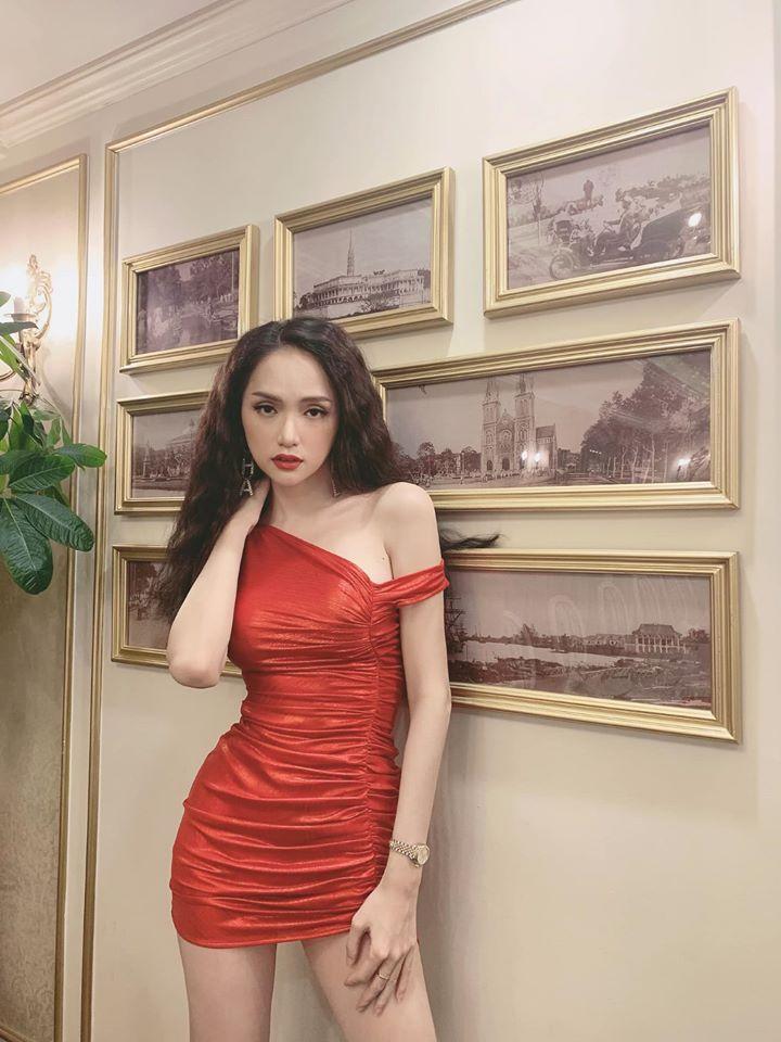 Hương Giang idol khoe hình ảnh làm nũng trên giường trái ngược hoàn toàn với phong cách sexy, sang chảnh thường thấy-7
