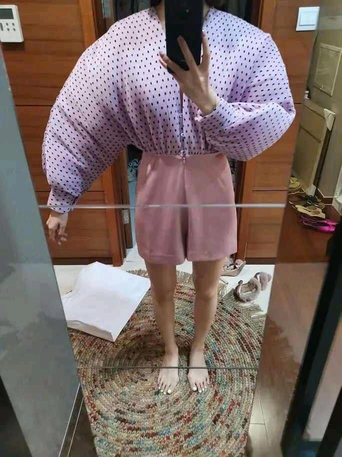 Ham hố giảm giá Black Friday, cô gái từ nàng thơ Hàn Quốc bỗng hóa võ sĩ lực điền vì chiếc áo chấm bi-4