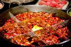 Đặc sản lẩu ngập ớt của người Trung Quốc