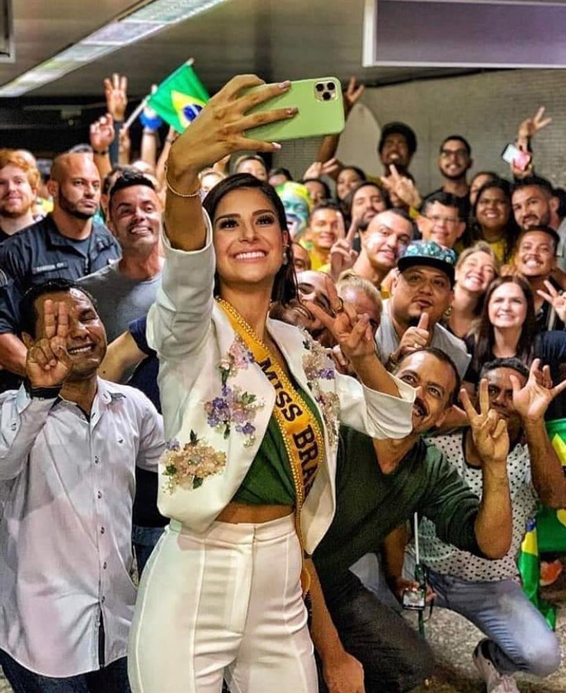 Giây phút chờ đợi nhất: Julia Horta lên đường thi Miss Universe 2019, HHen Niê cũng phát cuồng-9