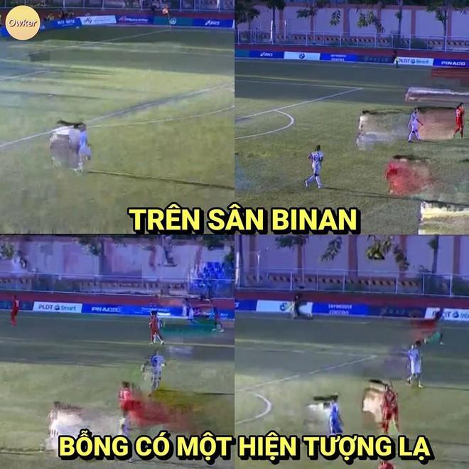 Ảnh chế Văn Hậu giận tím người vì mất oan bàn thắng trận gặp U22 Lào-7