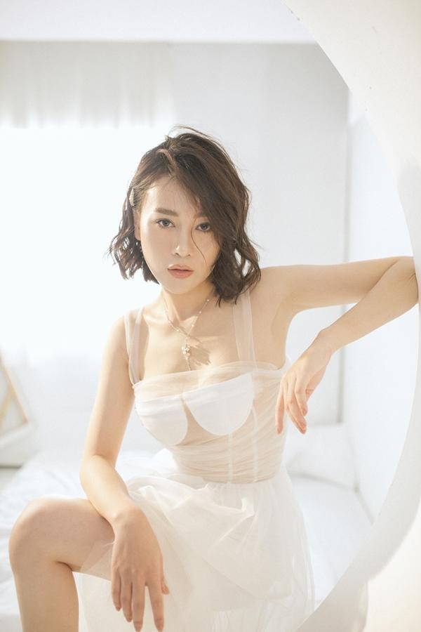 Phương Oanh cắt phăng mái tóc dài vào vai cô giáo trong phim nối sóng Hoa hồng trên ngực trái-4