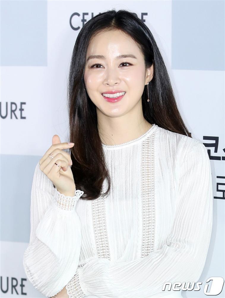 Kim Tae Hee trở lại đóng phim, cư dân mạng mỉa mai: Hãy học diễn xuất chăm chỉ hơn-1