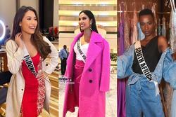Ngày đầu tiên tại Miss Universe 2019: Hoàng Thùy hồng chói chang, Indonesia chiếm spotlight
