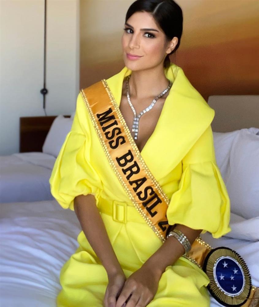 Ngày đầu tiên tại Miss Universe 2019: Hoàng Thùy hồng chói chang, Indonesia chiếm spotlight-11