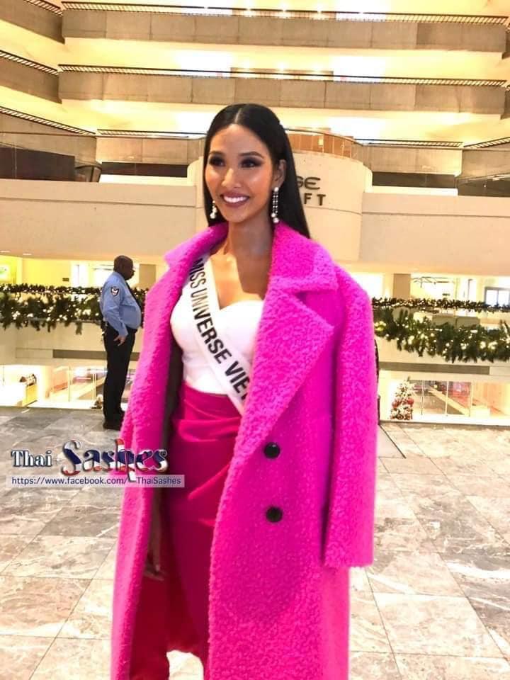 Ngày đầu tiên tại Miss Universe 2019: Hoàng Thùy hồng chói chang, Indonesia chiếm spotlight-3