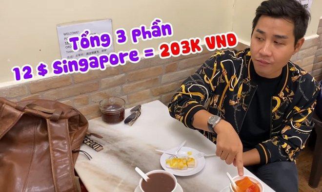 MC nổi tiếng Việt Nam ăn chè ở quán ngon nhất Singapore, có món lạ từ loại quả cực quen-3
