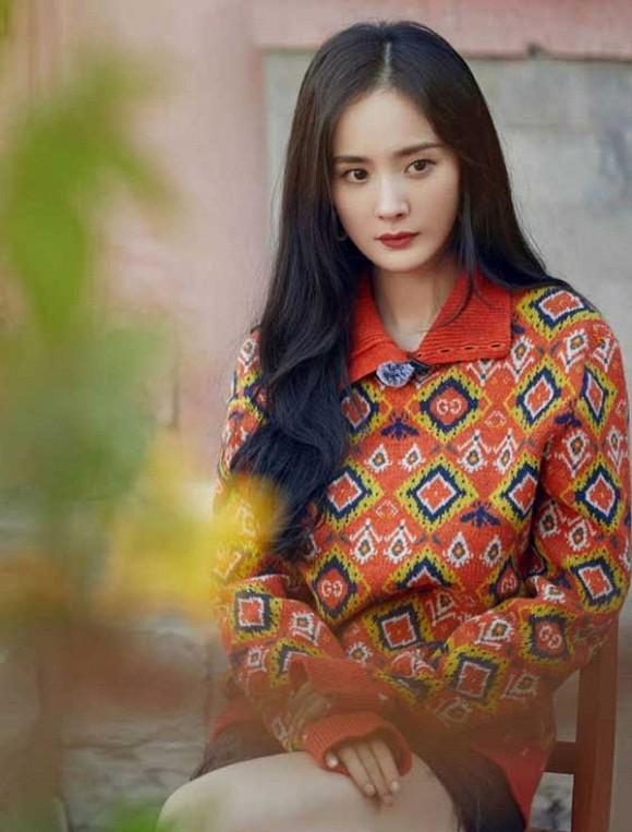 Dương Mịch khoe nhan sắc ngày càng lên hương sau khi ly hôn, fans trầm trồ vẻ đẹp của gái một con-3