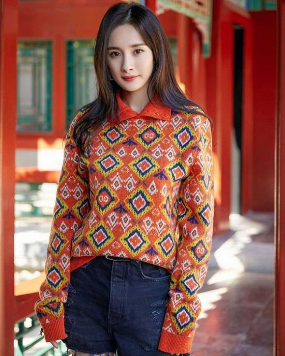 Dương Mịch khoe nhan sắc ngày càng lên hương sau khi ly hôn, fans trầm trồ vẻ đẹp của gái một con-5