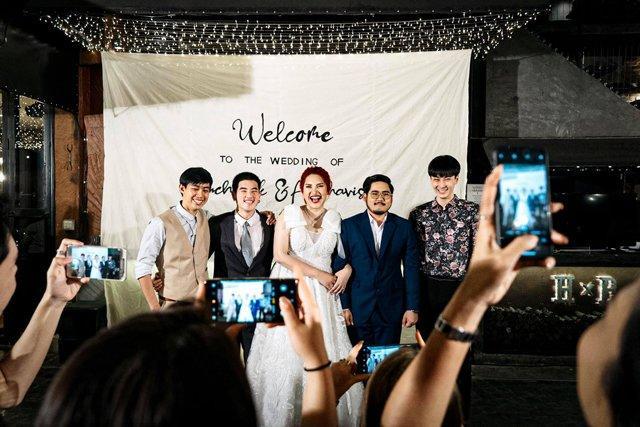 Cô dâu mời hẳn 3 người yêu cũ tới đám cưới, thái độ của chú rể làm nhiều người suy nghĩ-1