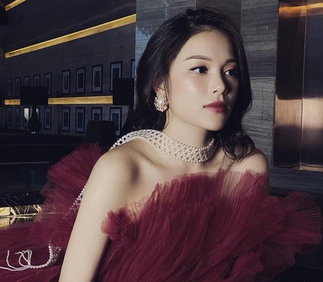 Bạn gái thiếu gia Phillip Nguyễn và những hot girl đình đám ĐH Hà Nội-1