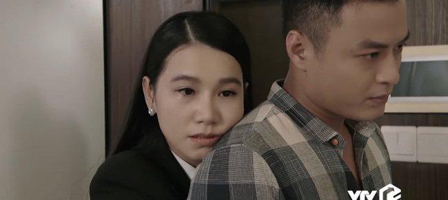 Người đàn bà trơ nhất Hoa Hồng Trên Ngực Trái: Tối không đi đâu vì chơi tô màu với con-3