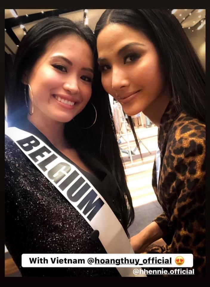 Ngày thứ hai tại Miss Universe 2019: Hoàng Thùy lộ vẻ nhợt nhạt, bị chê make-up không đẹp-13