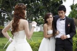Người cũ kết hôn - 'bất ngờ và hụt hẫng nhiều hơn là buồn'