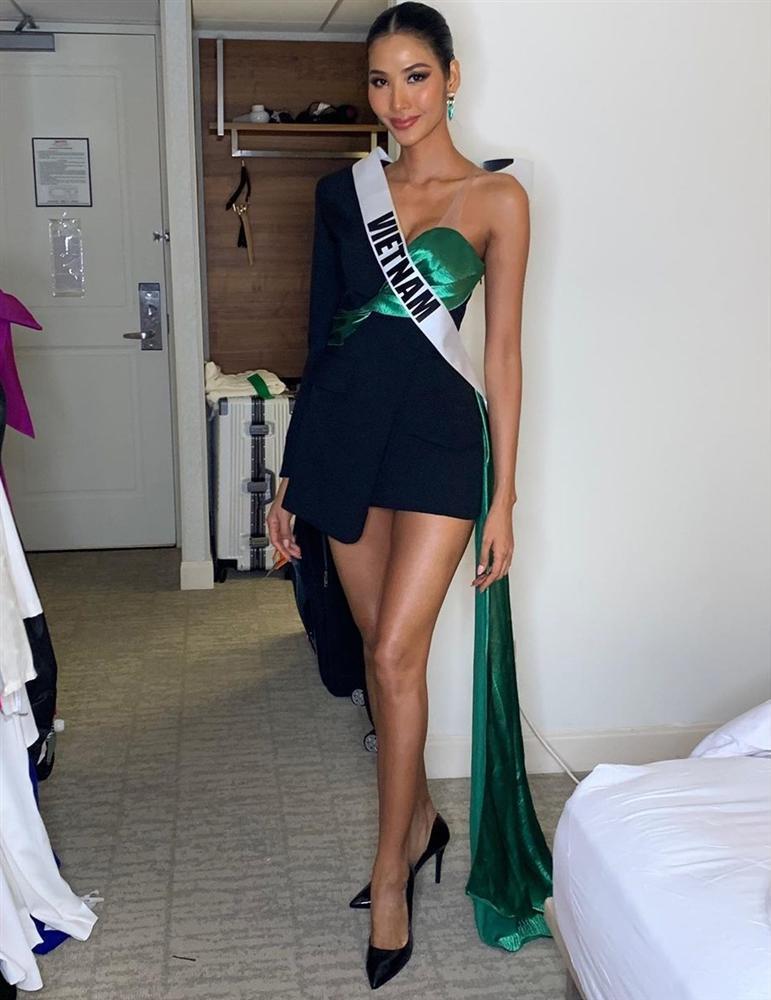 Miss Universe 2019 ngày thứ ba: Hoàng Thùy mặc đồ 2 trong 1, chặt đẹp chiều cao hoa hậu Venezuela-1