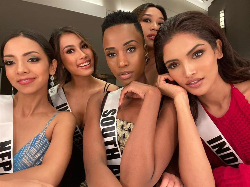 Miss Universe 2019 ngày thứ ba: Hoàng Thùy mặc đồ 2 trong 1, chặt đẹp chiều cao hoa hậu Venezuela-9
