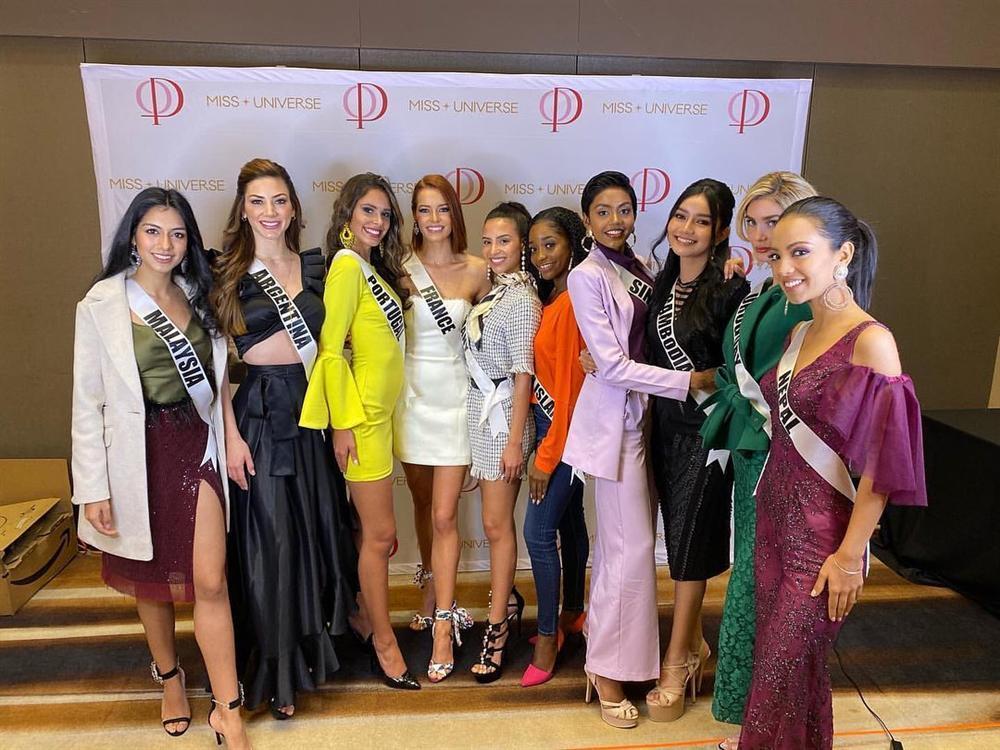 Miss Universe 2019 ngày thứ ba: Hoàng Thùy mặc đồ 2 trong 1, chặt đẹp chiều cao hoa hậu Venezuela-15