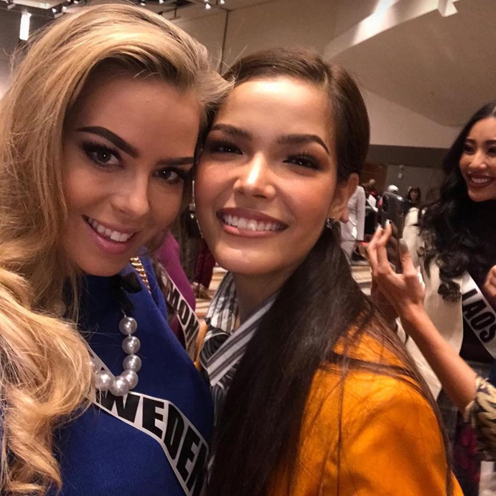 Miss Universe 2019 ngày thứ ba: Hoàng Thùy mặc đồ 2 trong 1, chặt đẹp chiều cao hoa hậu Venezuela-18
