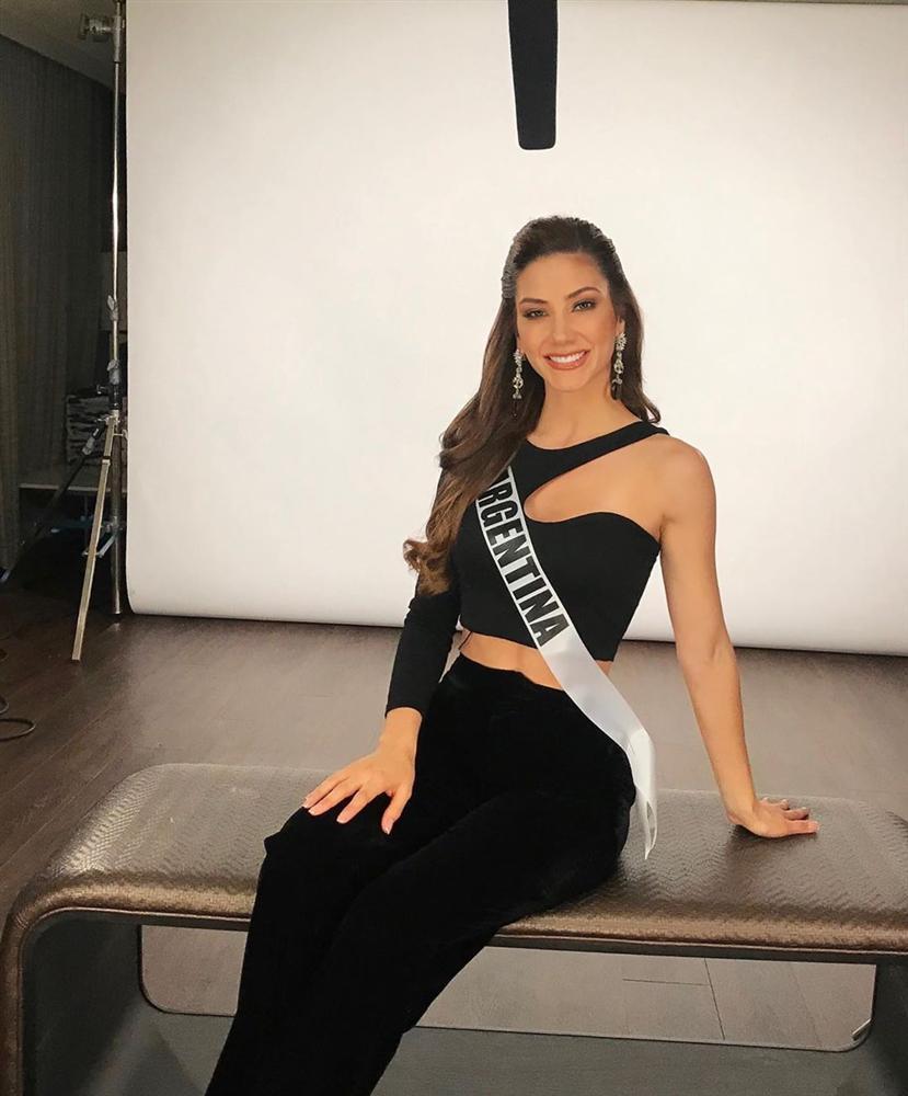 Miss Universe 2019 ngày thứ ba: Hoàng Thùy mặc đồ 2 trong 1, chặt đẹp chiều cao hoa hậu Venezuela-12
