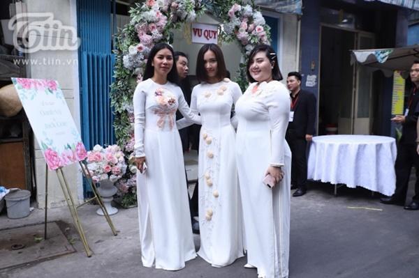 Hoàng Yến, Ái Phương xúng xính áo dài làm phụ dâu trong đám cưới Hoàng Oanh-2