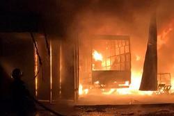 Cháy nhà dân lúc rạng sáng, 3 bà cháu tử vong trong lửa dữ