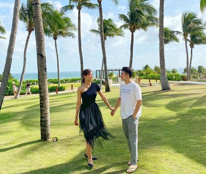 Phan Mạnh Quỳnh và bạn gái du lịch mừng 4 năm yêu-1