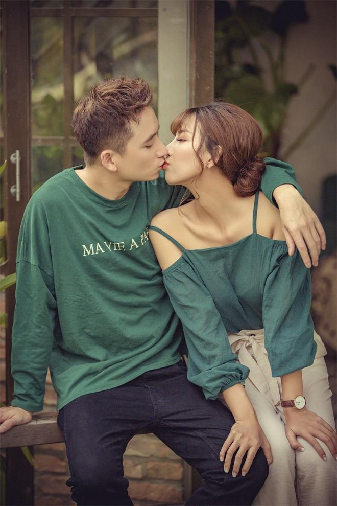 Phan Mạnh Quỳnh và bạn gái du lịch mừng 4 năm yêu-6