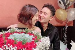 Phan Mạnh Quỳnh và bạn gái du lịch mừng 4 năm yêu
