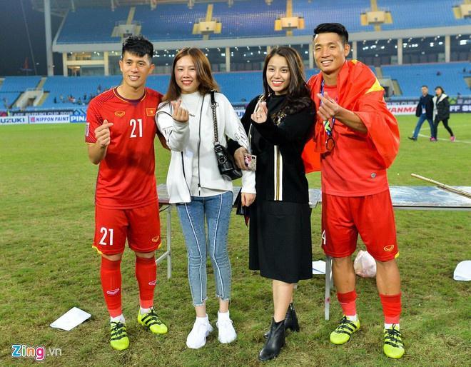 Văn Lâm - Yến Xuân và những cầu thủ có mối tình chị em-1