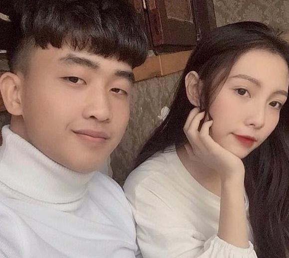 Văn Lâm - Yến Xuân và những cầu thủ có mối tình chị em-6