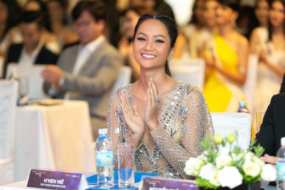 HHen Niê từ chối đưa ra dự đoán top 3 Hoa hậu Hoàn vũ Việt Nam 2019-2