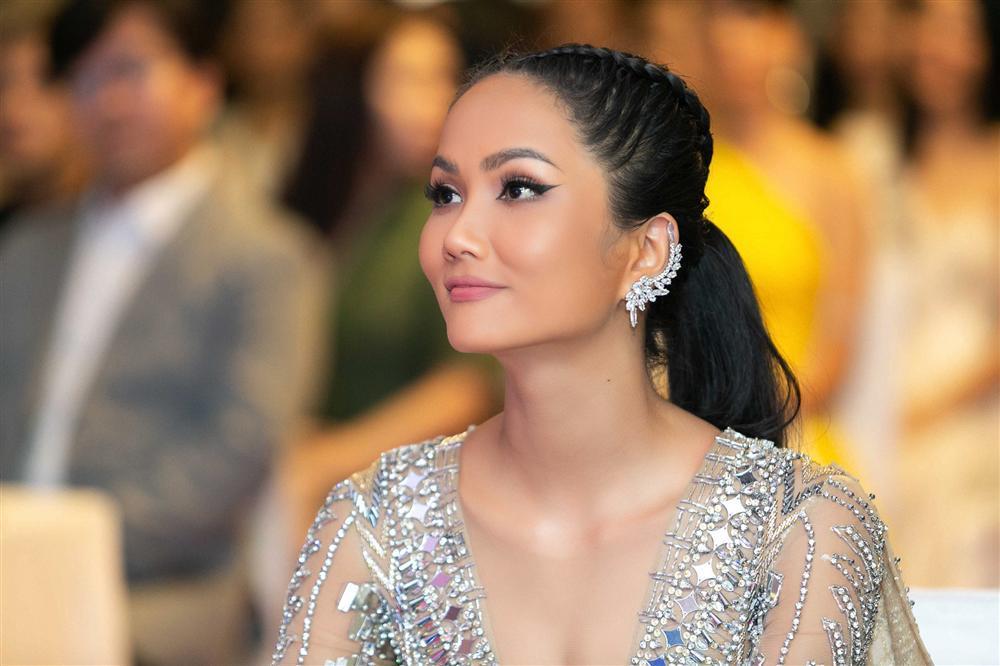 HHen Niê từ chối đưa ra dự đoán top 3 Hoa hậu Hoàn vũ Việt Nam 2019-1