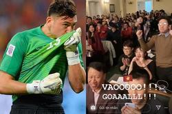 Văn Lâm ăn mừng bàn gỡ hòa của U22 Việt Nam trước U22 Indonesia