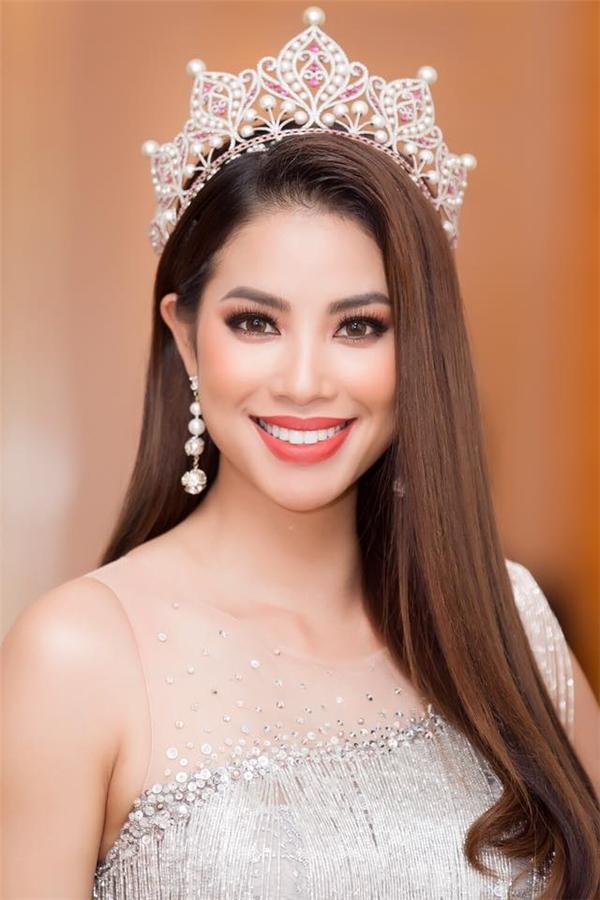Ngắm nhìn vương miện Hoa hậu Hoàn vũ Việt Nam qua các năm-3