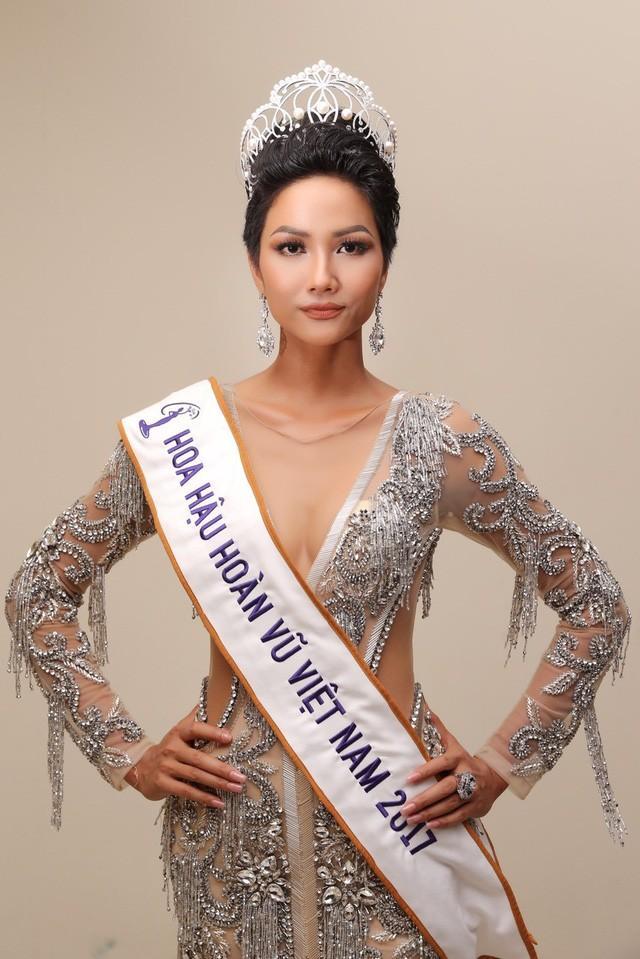 Ngắm nhìn vương miện Hoa hậu Hoàn vũ Việt Nam qua các năm-5