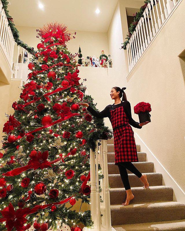 Còn gần 1 tháng nữa mới Noel thế mà Phạm Hương, Tăng Thanh Hà và dàn sao Việt đã nô nức trang trí nhà cửa rồi đây!-1